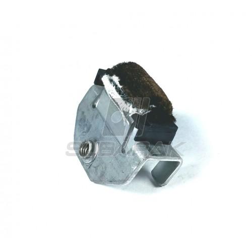 Oryginalny wewnętrzny stabilizator / docisk szyby do Subaru Impreza / Forester / Legacy 62304FC000